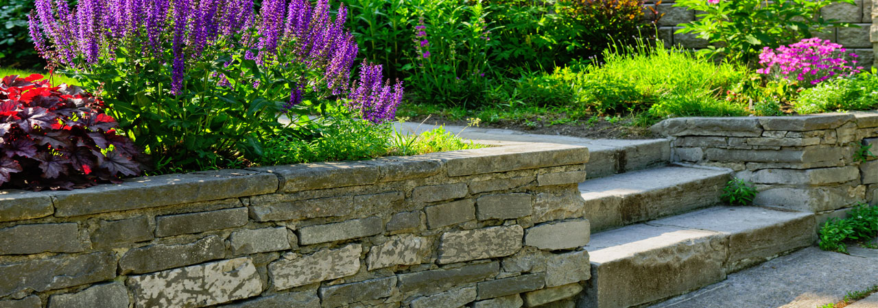 Services empire landscaping for Landscaping rocks kelowna